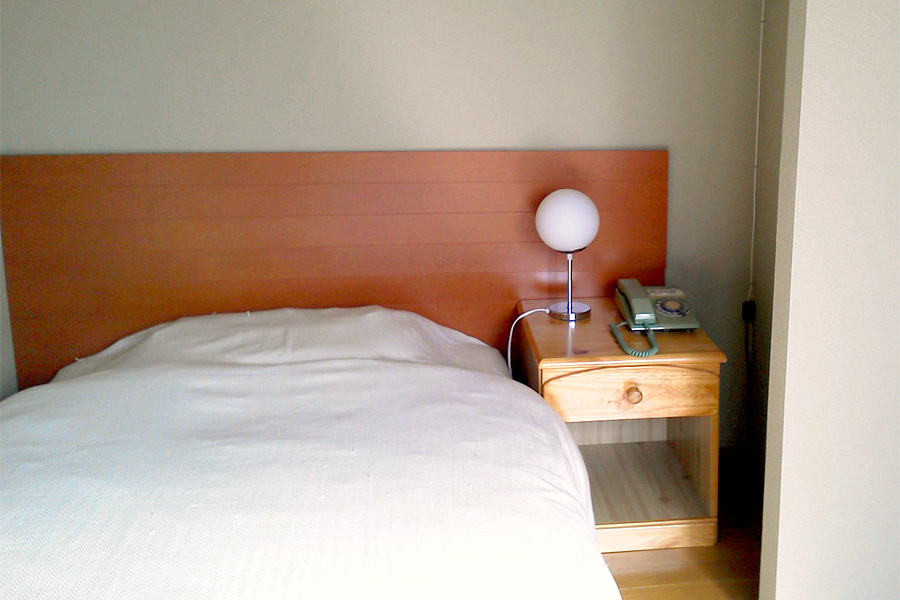 Western-Style Single Rooms without bathroom and toilet (non-smoking room) For 1 person per room